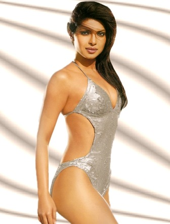 bikini photo of hollywood actress size zero figure