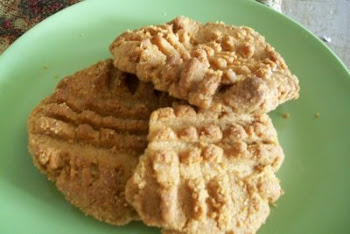Peanut Butter Cookies (only 3 ingredients)