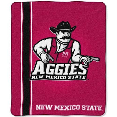 New Mexico State University (NMSU) Aggies blanket.