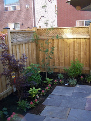 Urban backyard landscaping ideas simple home decoration for Simple small backyard ideas