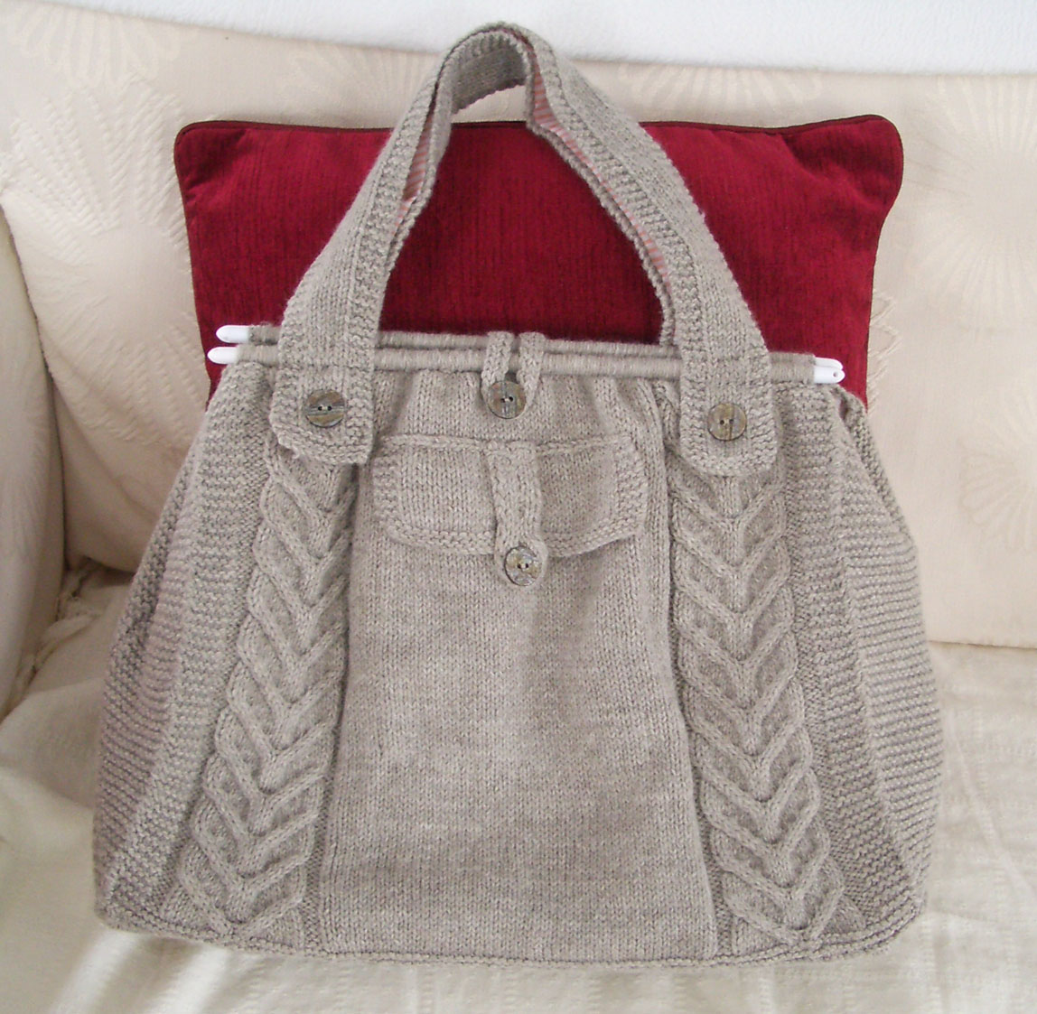 Knitted Handbags Patterns : Knitted Creations: Cable Tote