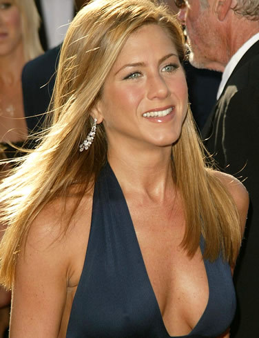 jennifer aniston breasts