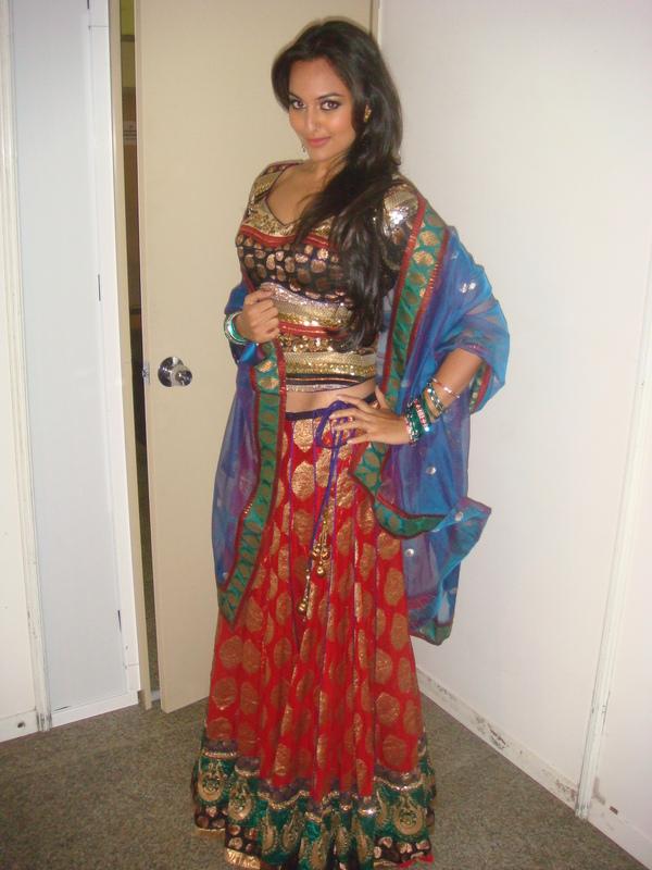 Hair Style Cabon: sonakshi sinha hot