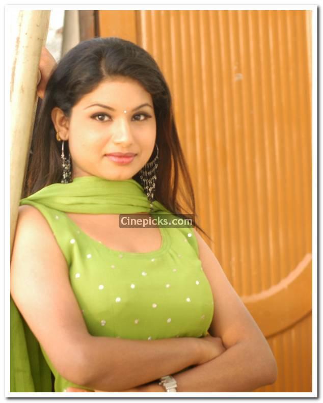 Hot Sexy Actress Wallpaper: malayalam actress maithili hot