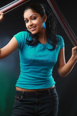 amala-paul-navel-hot+%282%29.jpg (401×600)
