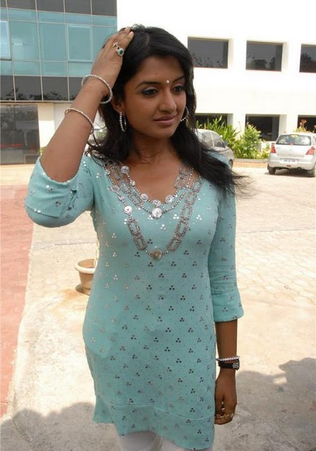 Vimala Raman Hottest Photos