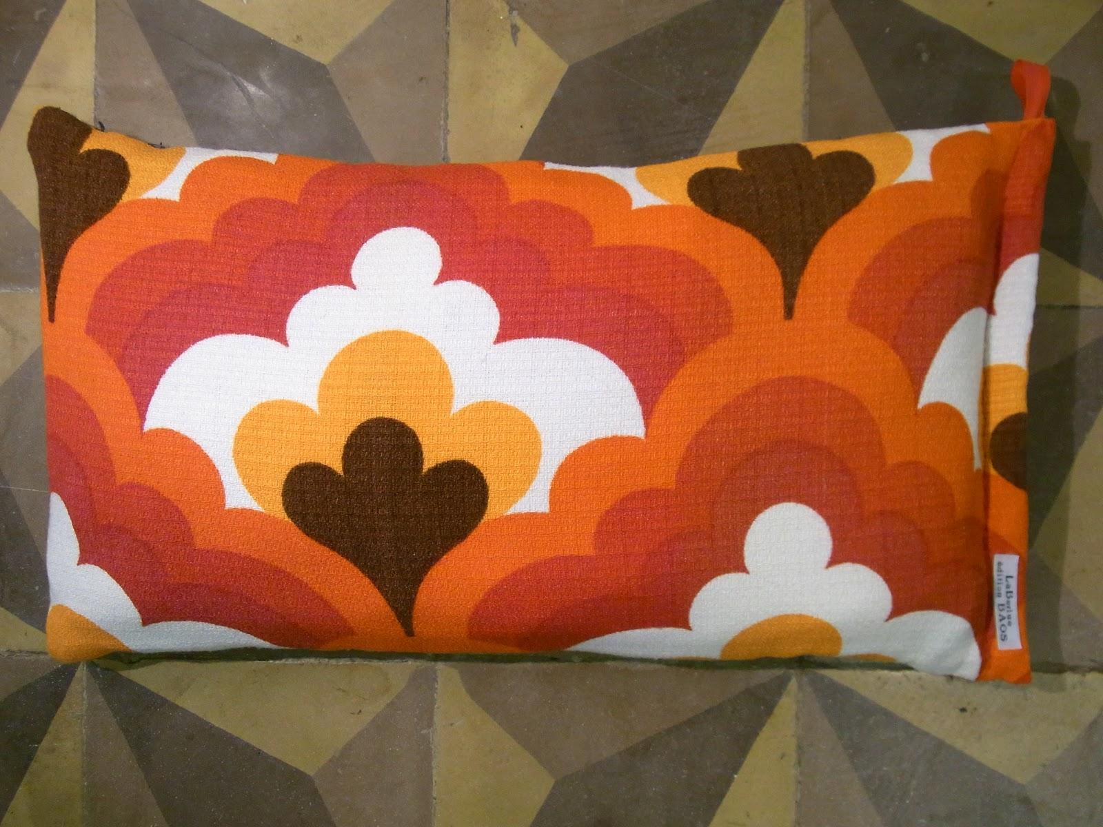 baos coussins 35 x 35 cm tissu motifs vintage 50 39 cr ation laberlue dition baos. Black Bedroom Furniture Sets. Home Design Ideas