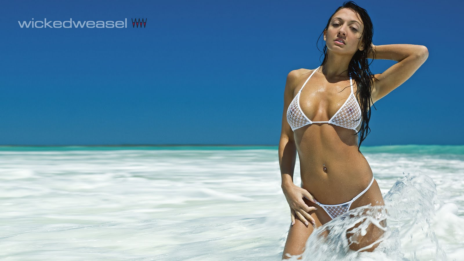 Sexy Sarah Bikini Beach Wallpaper