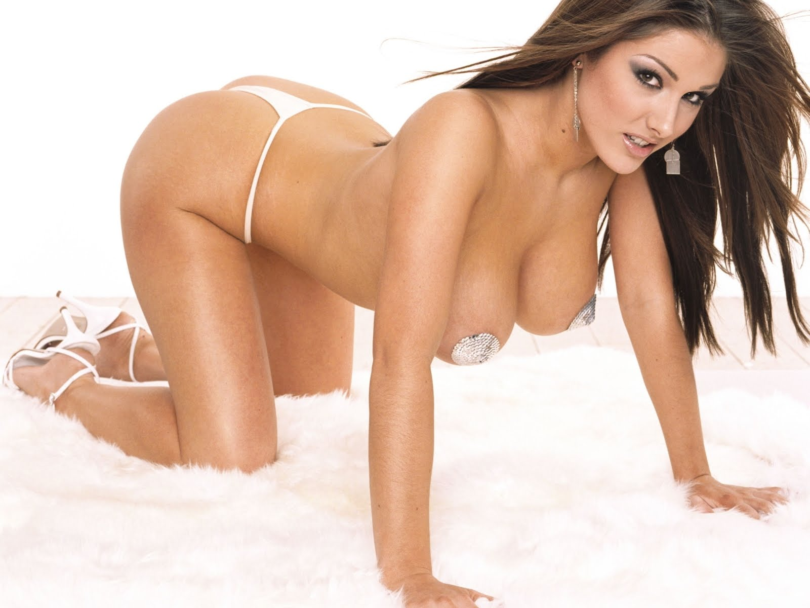 Hot Bikini Wallpaper Lucy Pinder