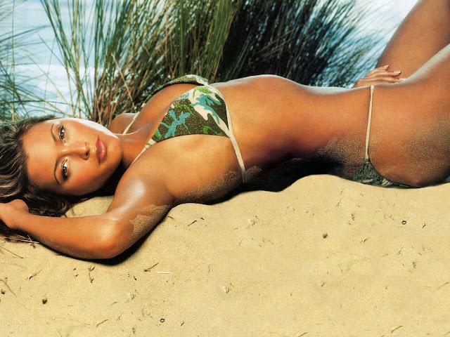 Sexy Army Beach Bikini Wallpaper