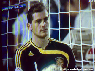 Spain's Goalkeeper:Iker Cassillas:toomanyballs