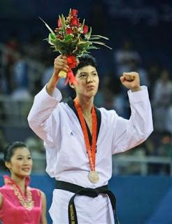 Rohullah Nikpai winning bronze