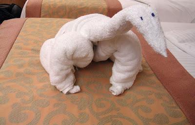 துவாய் சிற்பங்கள்  Cool+animal+towel+sculpture19