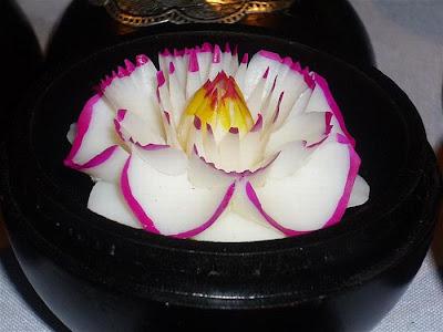 http://4.bp.blogspot.com/_8M4A38LyBBs/TI4bxknBkyI/AAAAAAAAeUk/xrsTpQKEcwc/s1600/Beautiful+Soap+Flowers+1.jpg