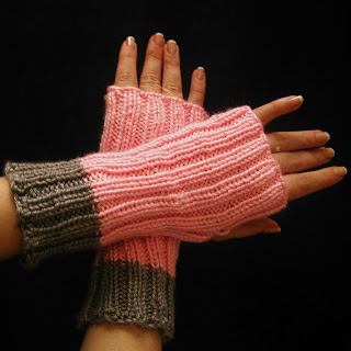 These grey and pink gloves are now available at AllThingsTangled!