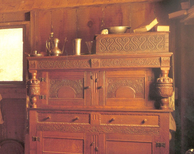 Colonial America The Simple Life A Bit About Furniture