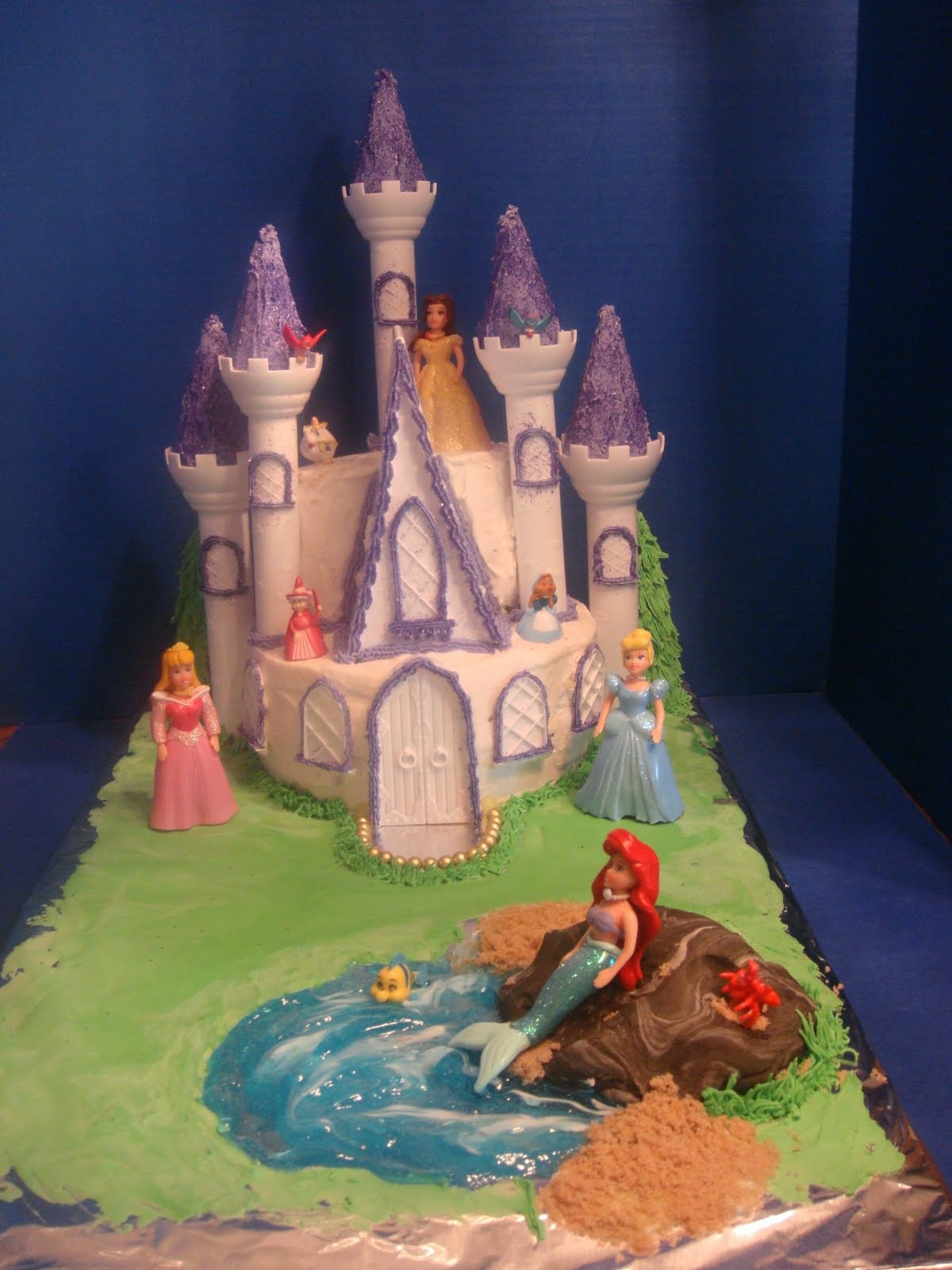 Disney Cake Designs Princesses : Cakes By LAM Designs: Disney Princess Castle Cake