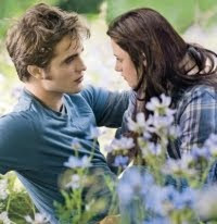 Bella and Edward in the movie Twilight Eclipse. (Kristen Stewart and Robert Pattinson)