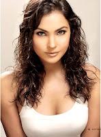 Sexy Lara Dutta