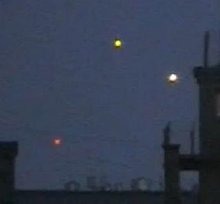 2010: Le 10/04 - OVNI multiples au dessus de Moscou  - Page 2 Moscow-UFO