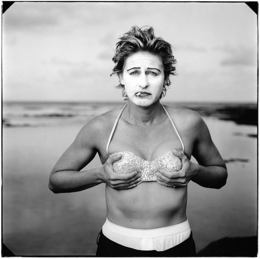 Ellen degeneres grabs breasts