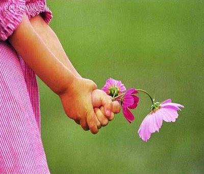 menina+flor.jpg (400×340)