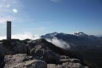 Cim del Tomir amb el Massanella i Puig Major de fons