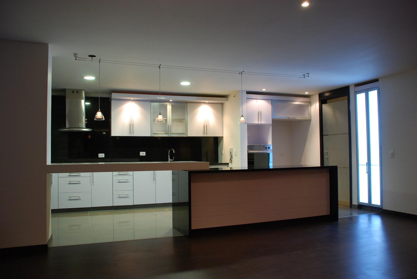 I g a cocinas y carpinteria cocina integral con puertas for Muebles de cocina juan carlos madrid