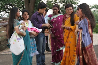 Eunuchs on the Zee TV show, with Shree, hari, and the newborn children