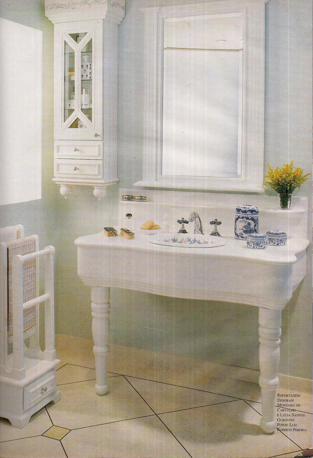 Construindo Meus Sonhos: Bancada de Banheiro Idéias com mesas! #9F832C 1095x1600 Bancada Banheiro Laca