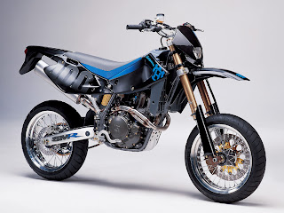 Husqvarna SM-400 R Hot Bikes Wallpaper