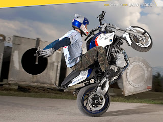 BMW F-800-S Free Riding Wallpaper