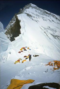 Kash's Book Corner: Dying to Climb Mount Everest