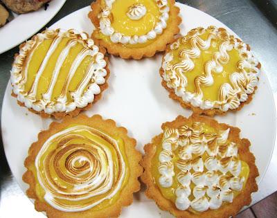 Cinque diversi modi per decorare una torta