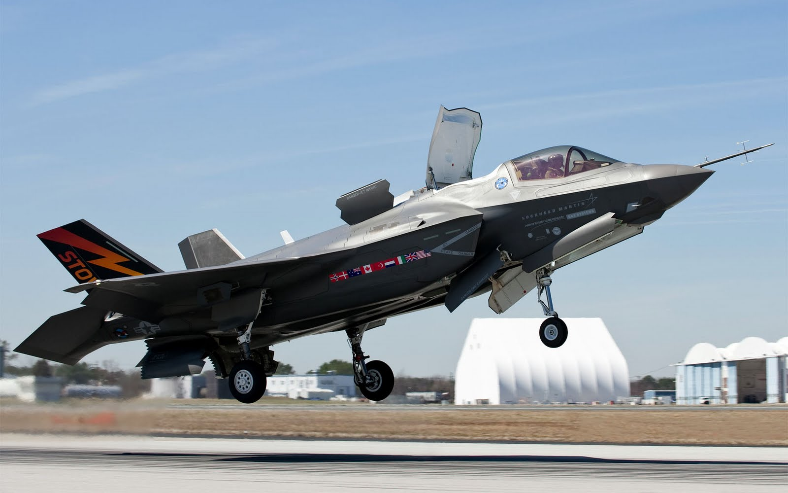 free widescreen wallpapers lockheed martin f 35b 1680 x