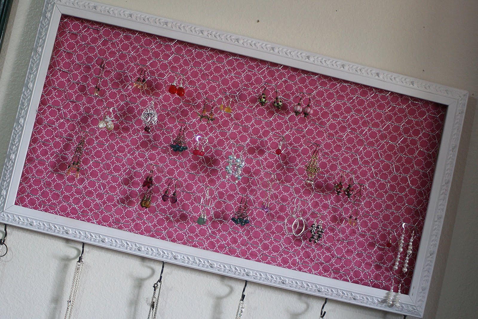 DIY Jewelry Organizer On My Side of the Room