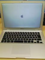 Apple MacBook Airのセットアップ開始。