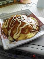 昼食は広島風お好み焼の巻。