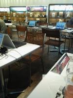 六本木ヒルズのiGoogleアートカフェの店内の様子。