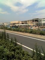国道4号の東埼玉道路からイオンレイクタウンのMORIエリア北側。