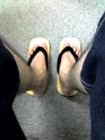 暑くなってきたので毎年恒例の雪駄を履いています。