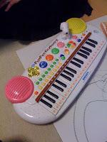 息子のお誕生日プレゼントはキーボード。