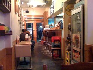 草加市アンチェインファームの店内カウンター