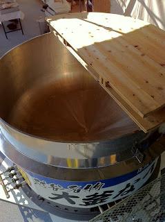 こしがや産業フェスタ2010直径2メートルの大鍋