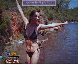 ayça inci bikinili
