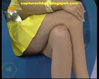 yelda başaran bacakları