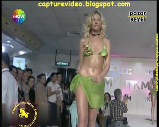 doga bekleriz yeşil bikinili