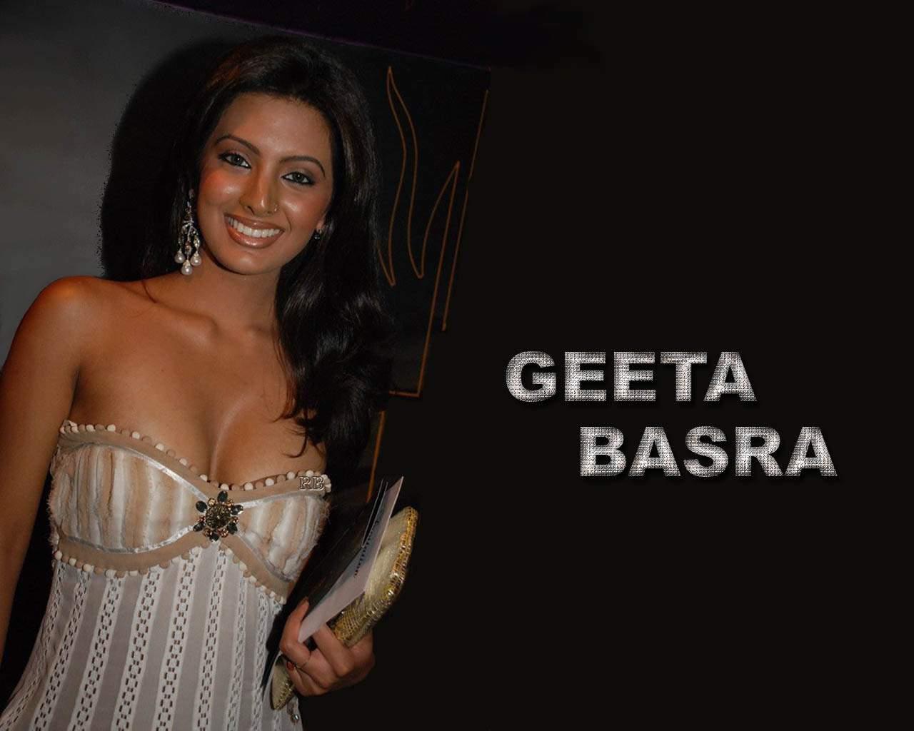 Geeta Basra Hot Bollywood Actress Sexy Masala High Quality Wallpapers