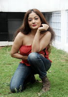 Kiran Rathod Hot Photos+actressphotoszone.blogspot.com