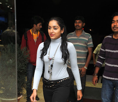 padmapriya latest hot spicy pics gallery+actressphotoszone.blogspot.com
